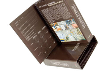 Folder con texture in UV serigrafico lucido
