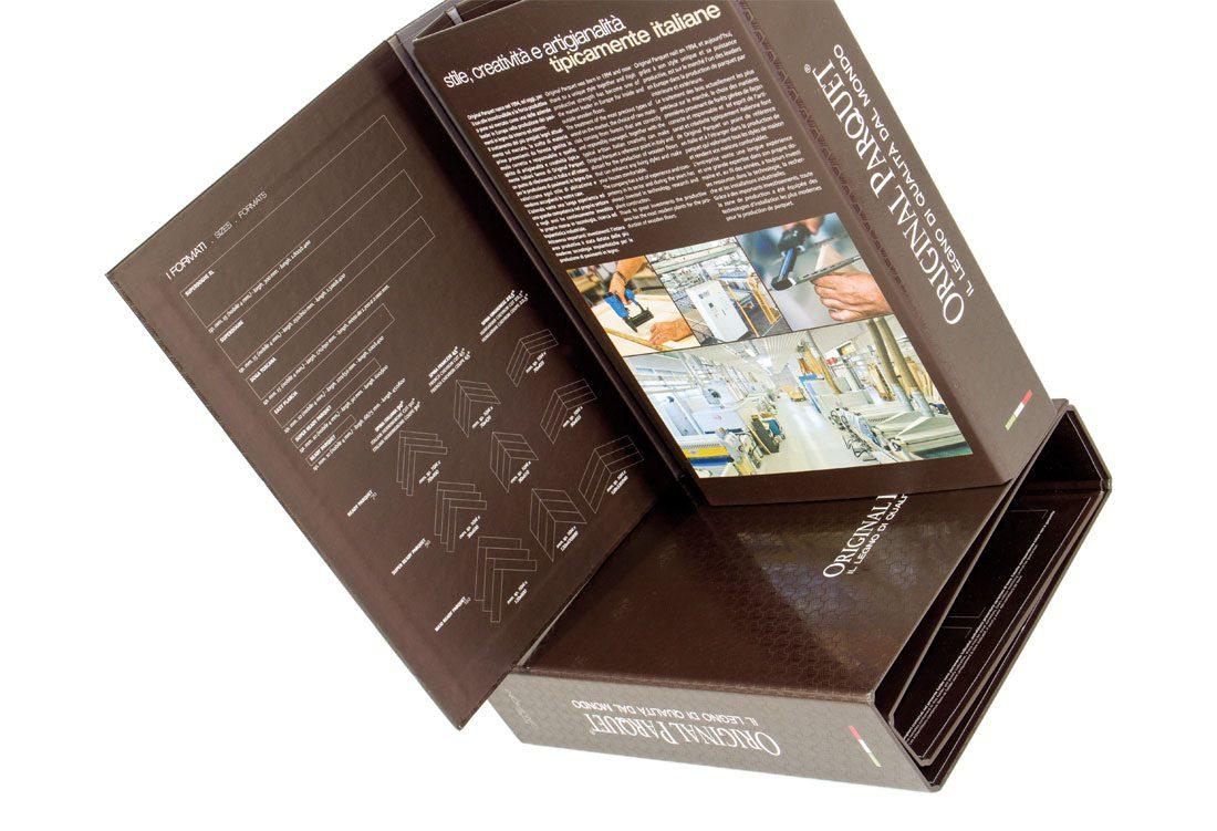 Folder with glossy UV texture.