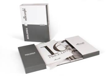 Box con due tasche per l'inserimento dei cataloghi