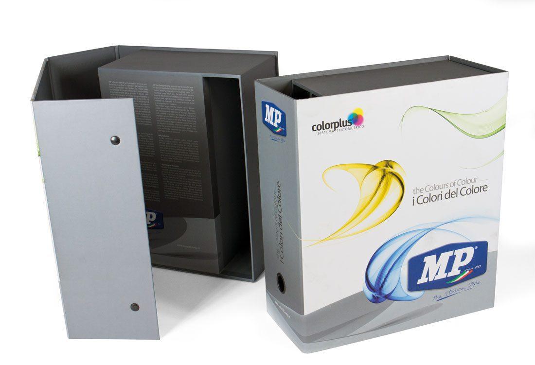 Box porta-campionari composto da due vani orizzontali ed uno verticale